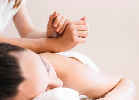 Masaże terapeutyczne
